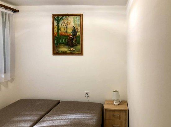 Hálószoba kinyitott ággyal